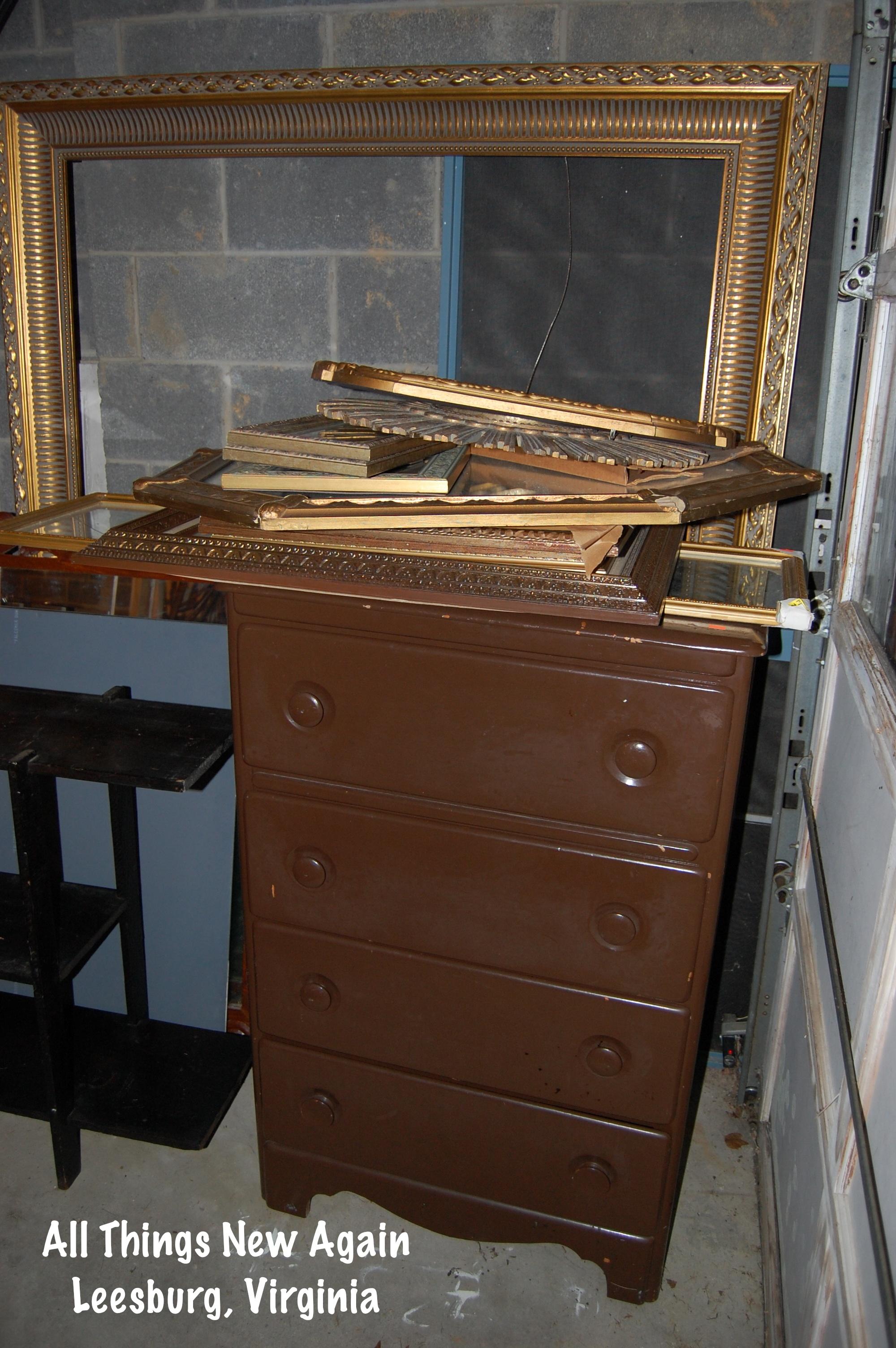 Diy how to transform cheap old frames into elegant home for Elegant home decor