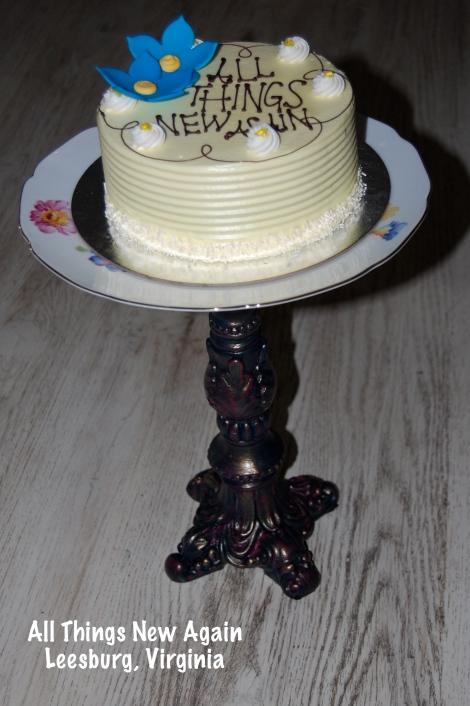 cakeplate_final w cake