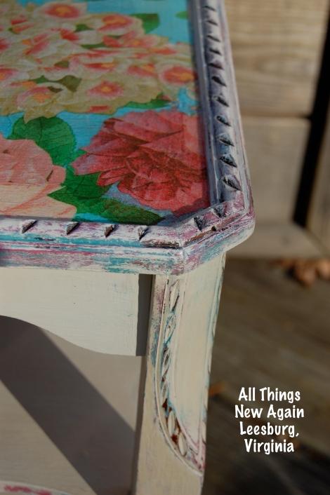 decoupage table_closeup1