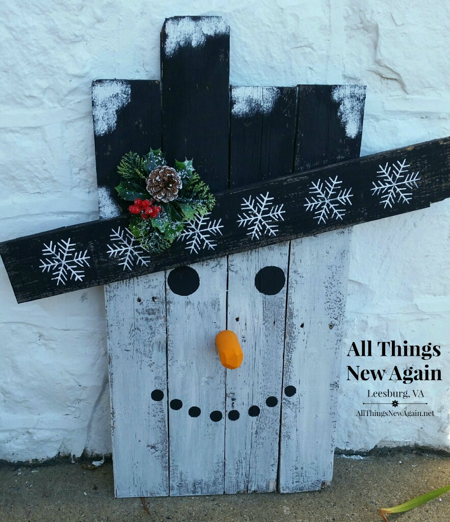 What ordinary objects can you make pretty with unicorn for How to make a wood pallet snowman